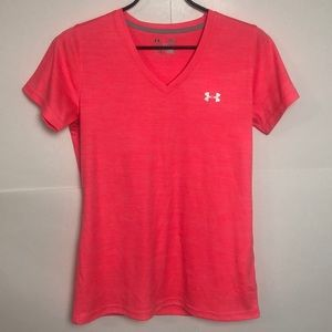 🌵Under Armour Large T Shirt Heat Gear Loose Pink
